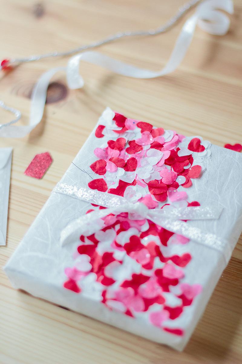 heart confetti gift wrap // valentine's day // anastasia marie blog