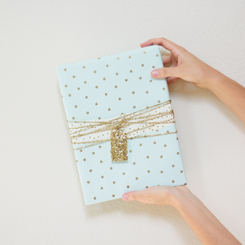 gift wrap: get glittered // ANASTASIA MARIE