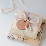 Gift Wrap: Vintage Flair